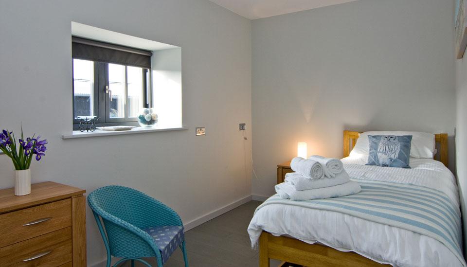 Barn_Owl_bedroom3.jpg