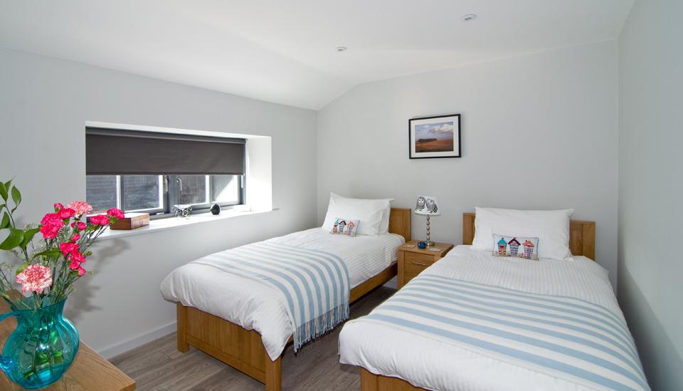 Little_Owl_twin_bedroom.jpg